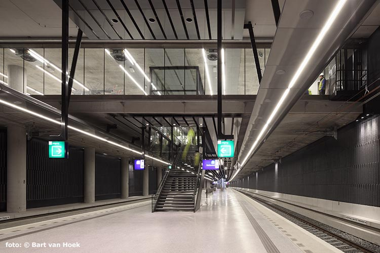 Station Delft (foto: Bart van Hoek)