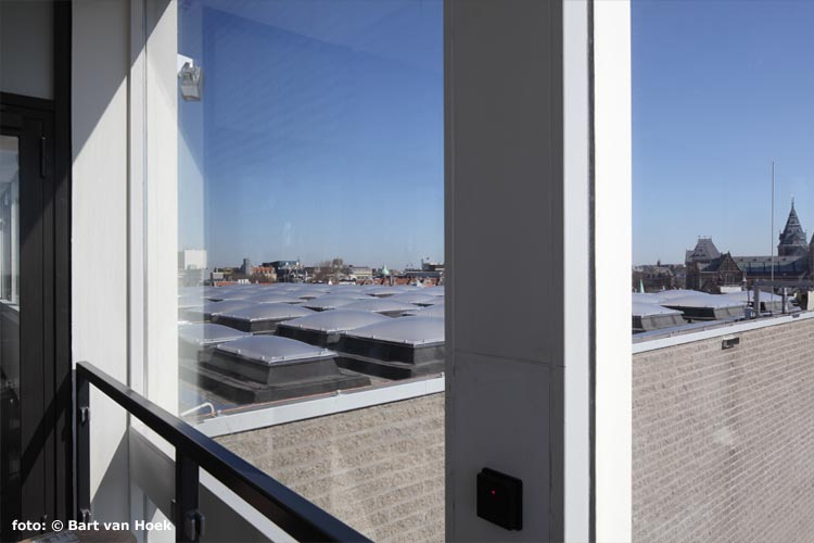 dak met 199 koepels (foto: Bart van Hoek)