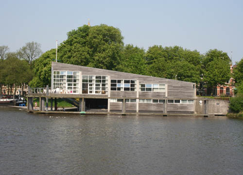 Club- en botenhuis De Hunze