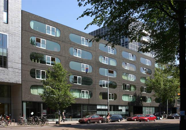 Studentenhuisvesting en bedrijfsruimte